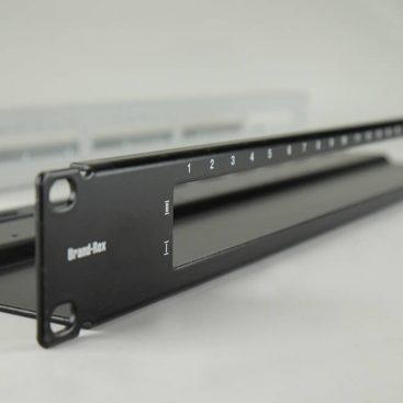 Prednja plošča iz pločevine za elektronske naprave